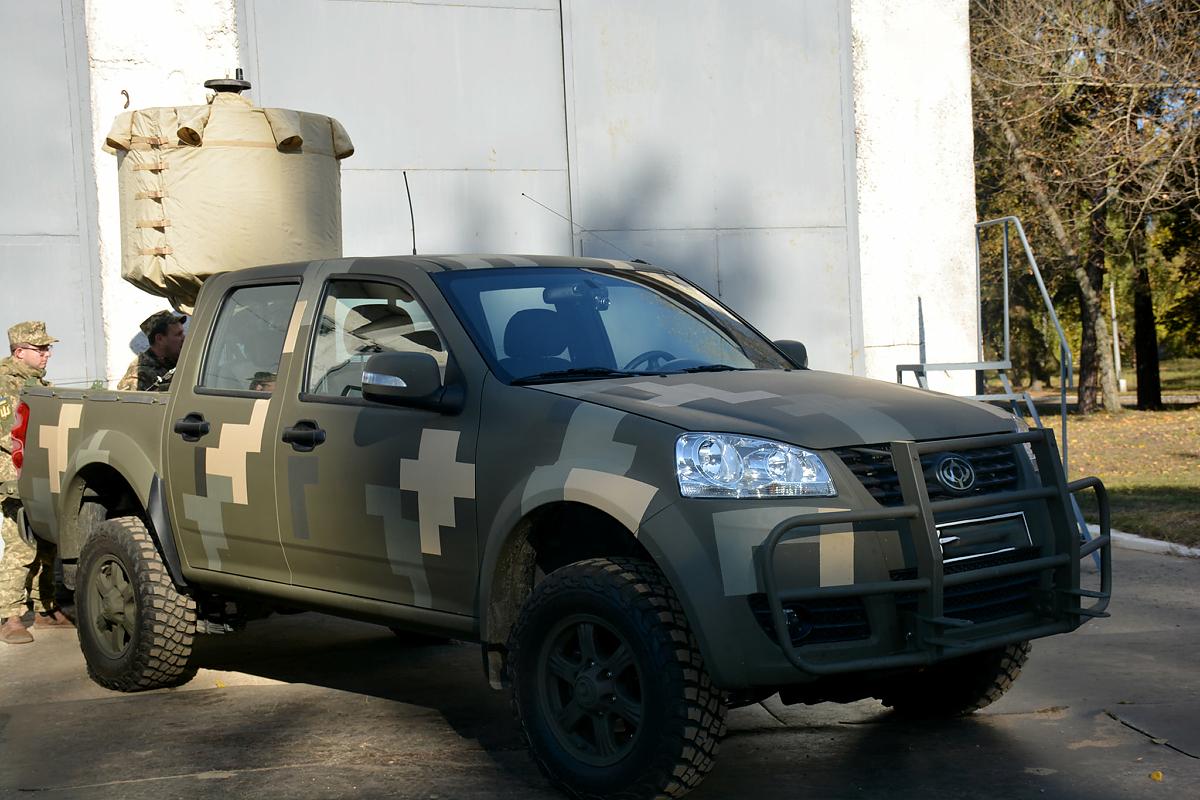 В Киеве покажут новейшие образцы армейской техники 5
