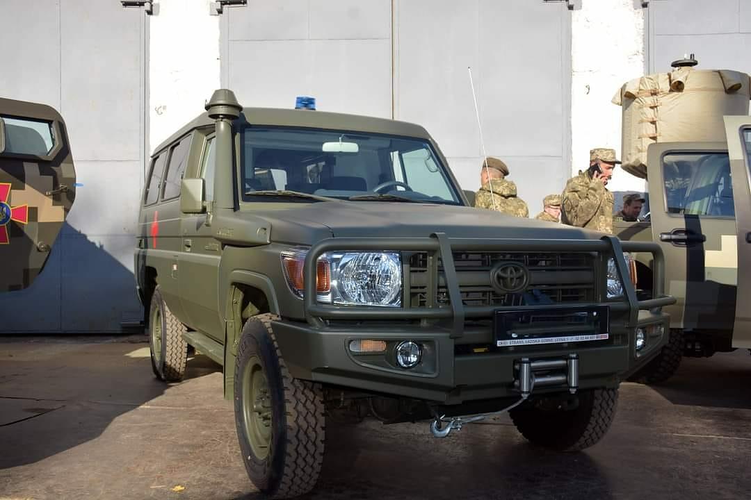 В Киеве покажут новейшие образцы армейской техники 6